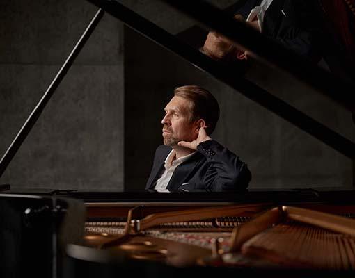 LO Andsnes5727921 © Helge Hansen_Sony Music Entertainment_72dpi