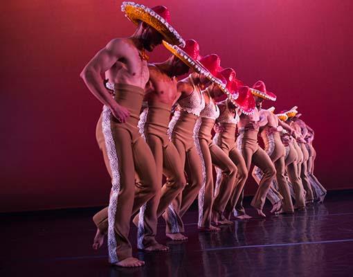 Ballet Hispanico in Con Brazos Abiertos, Photo by Paula Lobo