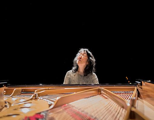 Mitsuko Uchida (c) Geoffroy Schied 2